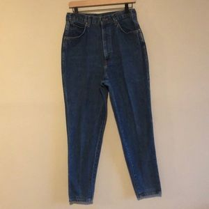 Chic Vintage High Rise Tapered Leg Mom Jeans
